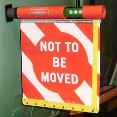 "MCE 1901 LED ""Roll Up"" Not To Be Moved Sign / Lamp"