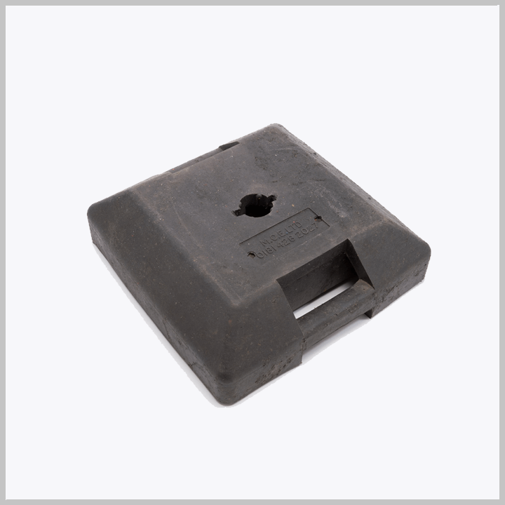 MCE 203/3 – Rubber Base For Signs (Pads No. 057/072996)